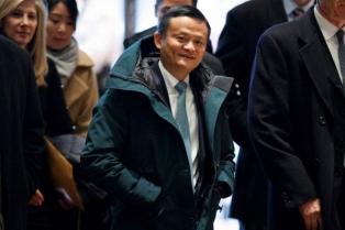 La parka de mujer con la que sorprendió el dueño de Alibaba en Davos