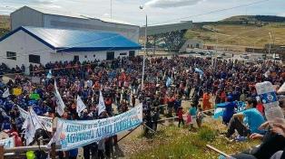 Conflicto minero: no hay acuerdo entre referentes del Gobierno y los trabajadores