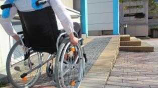 Los hoteles tendrán accesos y habitaciones para personas en sillas de ruedas