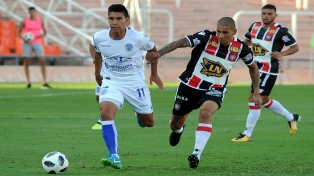 Godoy Cruz, por la mínima, le ganó a Chacarita en Mendoza