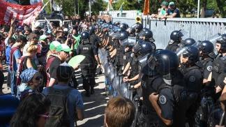 trabajadores se manifestaron en la entrada del INTI