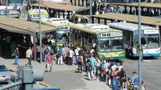 A partir de mañana suben las tarifas de colectivo, tren, prepagas y luz