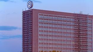 Acusada de usar humanos para experimentos, Daimler despide a un ejecutivo