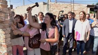 Vidal y Ritondo encabezaron la demolición de un búnker de drogas