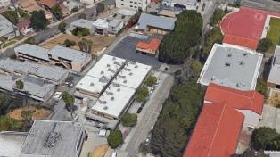 Cinco heridos, uno crítico, por un tiroteo en una secundaria de Los Ángeles