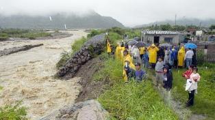 Evacuaron a la mitad de la población de Santa Victoria Este, y el resto espera el traslado