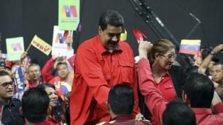Maduro apoya restablecer las relaciones diplomáticas con España