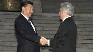 Cancilleres de Uruguay y China intercambian saludos por 30 años de relaciones
