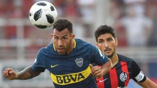 Boca no pudo con dos hombres de más, pero mantuvo la ventaja sobre San Lorenzo