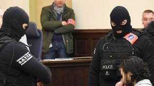 El autor de los ataques de París se negó a responder preguntas al inicio del juicio