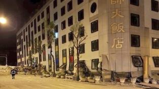 Al menos dos muertos y más de 150 heridos tras un terremoto