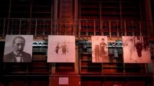 Una muestra recorre disputas, similitudes y diferencias entre Borges y Lugones
