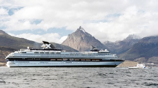 Ushuaia recibe al crucero más grande de la temporada