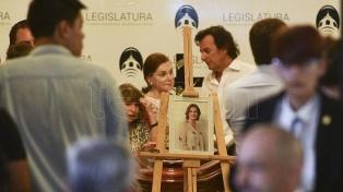 Cientos de personas despiden a Débora Pérez Volpin en la Legislatura