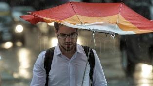 Alerta por lluvias y temporales para el centro del país