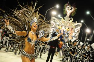 Noche de fervor en el segundo fin de semana de carnaval