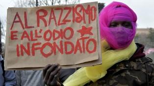 Miles de manifestantes marcharon contra el racismo y el fascismo
