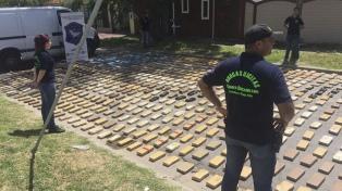 Decomisaron casi 1200 kilos de marihuana escondidos en una camioneta en Monte Grande