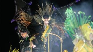Río de Janeiro cierra sus desfiles en un carnaval marcado por la crítica política