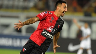 Colón dio un paso gigante en la Sudamericana