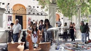 Avalancha de turistas pero con ventas todavía débiles, según CAME