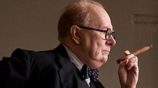"""Cuando Churchill cambió el rumbo de la guerra mundial en """"Las horas más oscuras"""""""