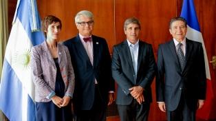 Caputo firmó financiamiento por U$S 70 millones para el Plan Belgrano