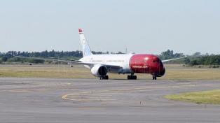 Con el arribo del primer avión de Norwegian, arranca la era de las low cost internacionales