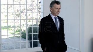 Macri recibe a familiares del cadete riojano y mantiene reuniones en La Rosada
