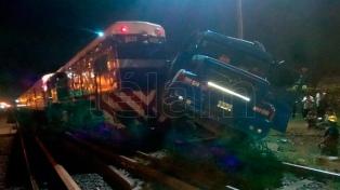 Un tren del Sarmiento embistió un camión sin provocar heridos