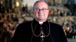 El enviado del Papa a Chile para investigar abusos fue internado en una clínica