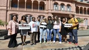 Macri reconoció a los familiares de las víctimas de Once como ejemplo de lucha