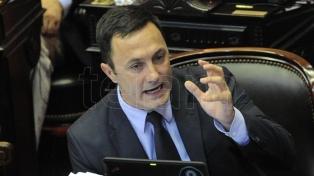 """Petri aseguró que el proyecto opositor sobre tarifas tendría un costo de """"220 mil millones de pesos"""""""
