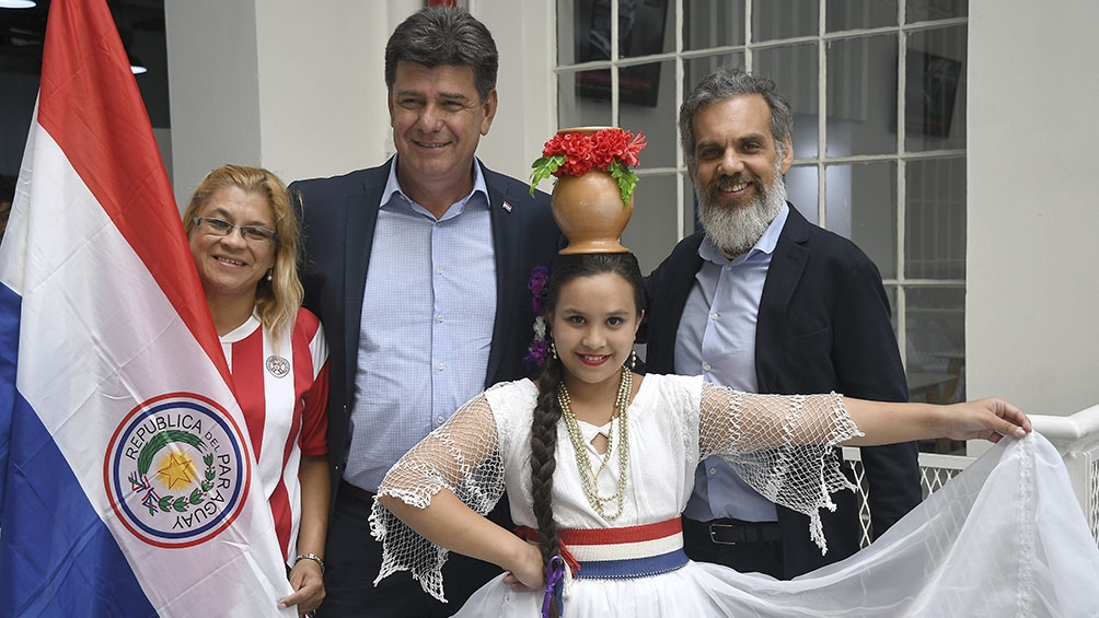 Efraín Alegre, PLRA - Alianza Ganar, junto a su vice y simpatizantes