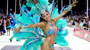 """Más de 100.000 personas disfrutaron del """"Carnaval de País"""" en Gualeguaychú"""