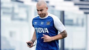 """El """"Pelado"""" Silva, ahora en Talleres, superó a Francescoli como el uruguayo más goleador del fútbol argentino"""