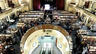 Unos dos mil turistas diarios visitan la librería Ateneo Grand Splendid