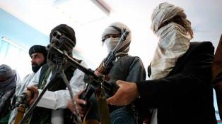 Los talibanes matan a cinco policías y secuestran a los pasajeros de un micro
