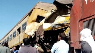 Al menos 12 muertos y 20 heridos en un choque de trenes