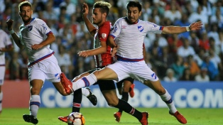 Estudiantes consiguió un valioso empate frente a Nacional