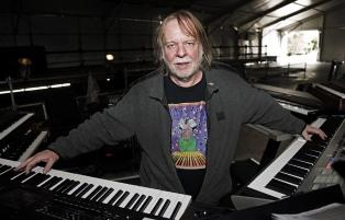 Rick Wakeman, entre Bowie, Black Sabbath, la sinfónica y su amor por el piano