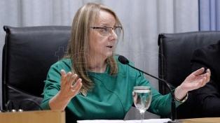"""Alicia Kirchner dijo que le """"parece muy bien"""" el retorno de dirigentes al kirchnerismo"""
