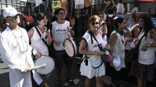 Docentes protestaron contra el cierre de los 29 institutos de formación profesional