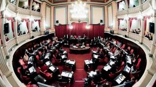El Senado bonaerense abre una muestra y taller sobre fileteado y tango