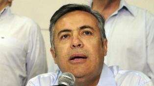 Cornejo propone eximir de impuestos provinciales a las energías renovables hasta 2028