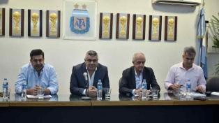 Patricio Loustau fue designado para dirigir la final de la Supercopa