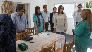 Vidal visitó un centro de atención a las adicciones construido en una casa recuperada al narcotráfico