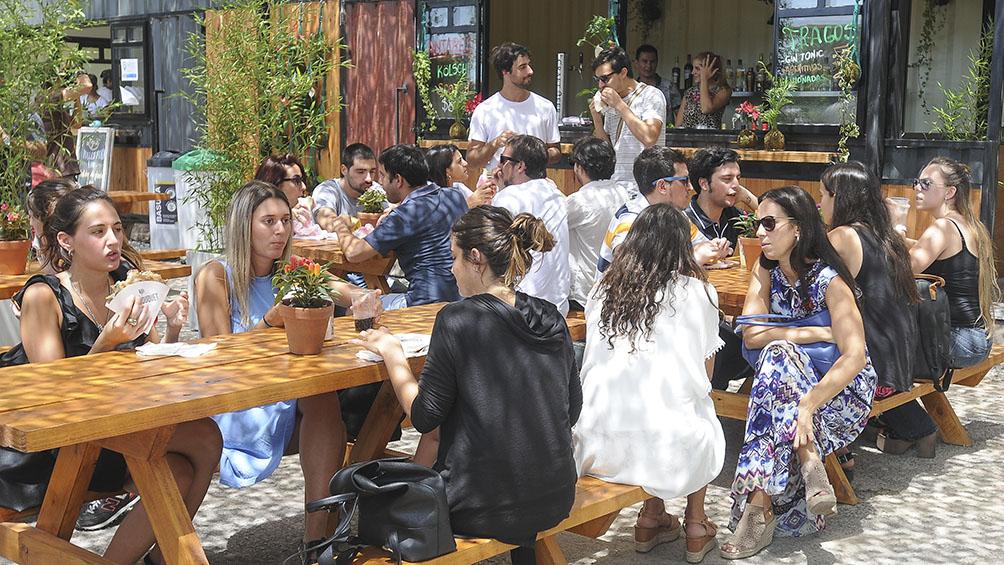 A los jóvenes argentinos les preocupa la inestabilidad económica y la contaminación