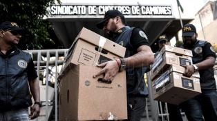 Moyano, más complicado: secuestran escrituras de los terrenos que Camioneros compró