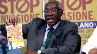 El primer senador negro, nacido en Nigeria, representa a la xenófoba Liga Norte